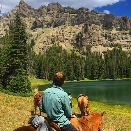 Covered Wagon Ranch: Ramshorn Lake - definitely make the ride here.