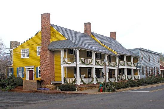 Washington, VA: Ball Room & Tavern Shops