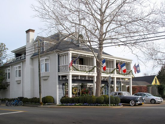 Washington, VA: Main Inn Front & Side