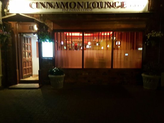 Princes Risborough, UK: Out door of cinnamon lounge