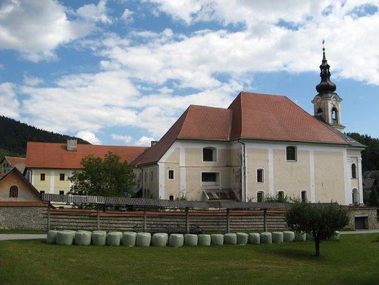 Cerklje, Slovenya: kirche von adergas