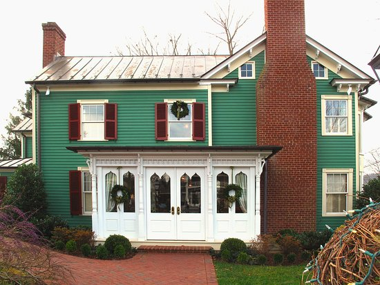 Washington, VA: Parsonage House Entrance