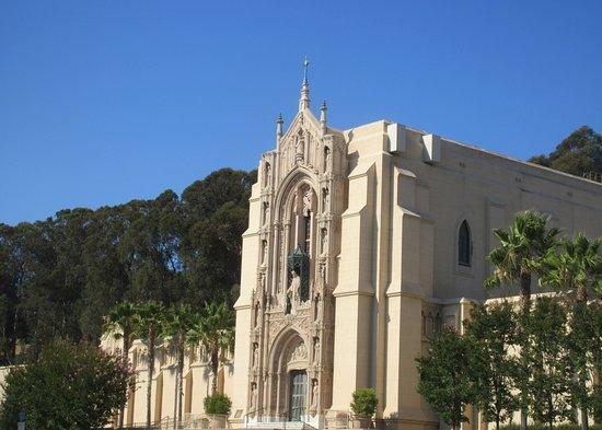 Holy Sepulchre Catholic Cemetery