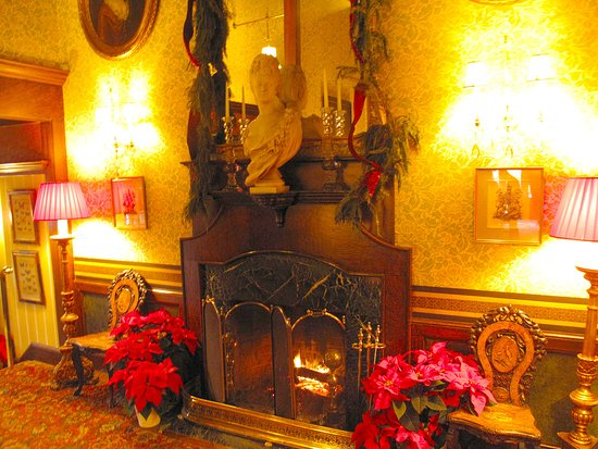 Washington, VA: Main Inn Lobby