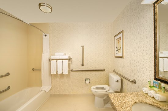 Holiday Inn Express & Suites Alexandria-Fort Belvoir : ADA Guest Bathroom with Accessible Tub