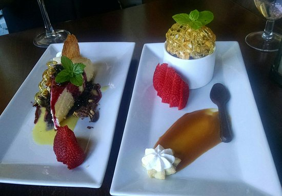Glen Ellen Inn: Finest desserts in the whole wide world! Absolutely delicious!