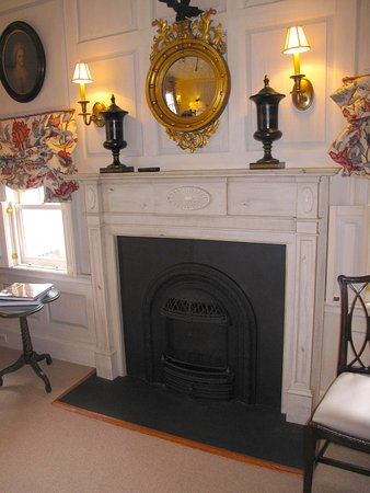 Washington, VA: Parsonage House Bedroom Fireplace