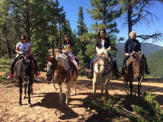 Crazy Horse Outfitters and Guides - Day Tours: Beautiful trail!