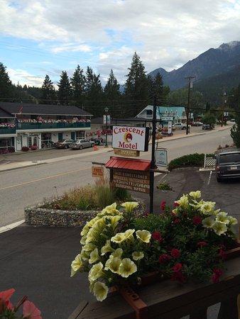 Crescent Motel Photo