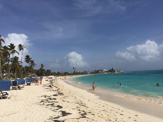 Hotel Arena Blanca: Playa principal relativamente cercana al hotel