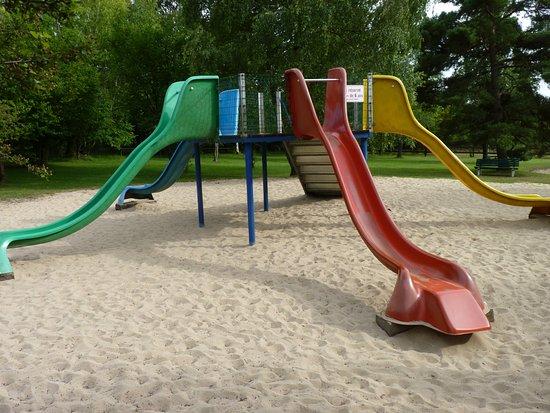 Gisors, Frankrijk: Parc Hérouval, les toboggans