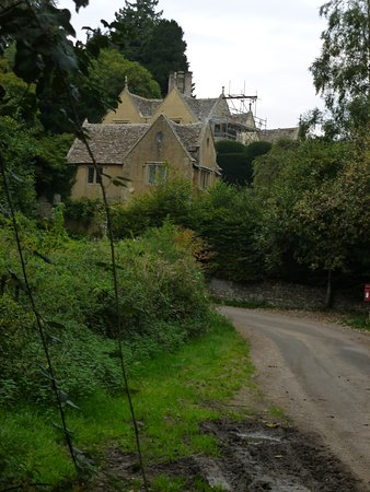 Uley, UK: back country road near Stouts HIll Manor