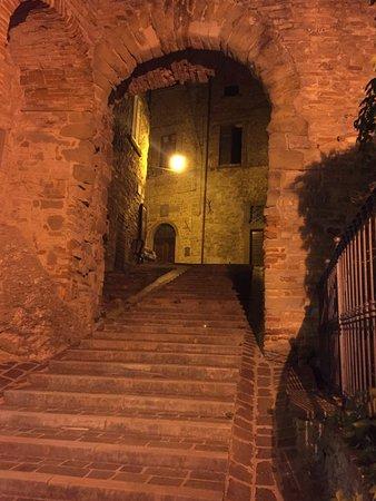Monte Santa Maria Tiberina, Italia: photo1.jpg