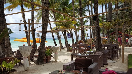 Ambassador in Paradise Resort: Beach area