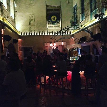 Sinagogi Bar
