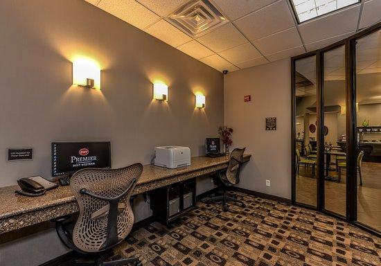Best Western Premier Bryan College Station: Business Center