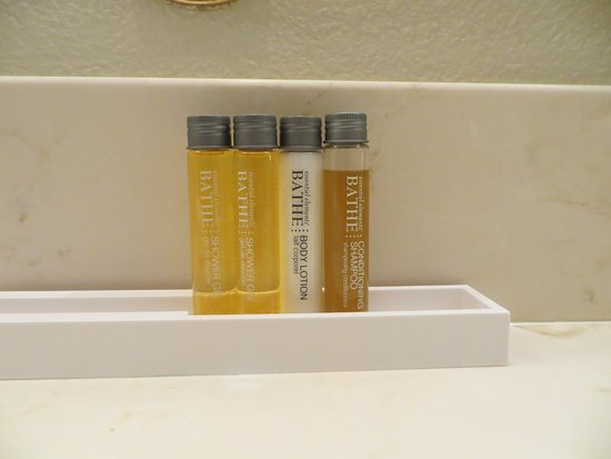 The Cliff House at Pikes Peak: Very impressed with the toiletries