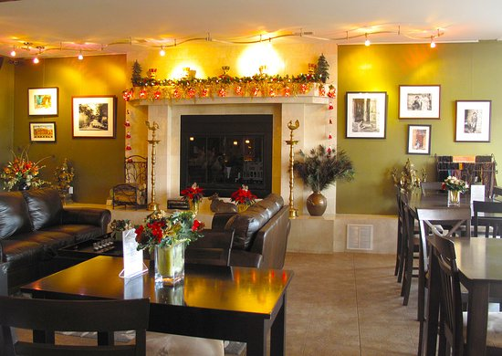 Amissville, VA: Tasting Room Interior at Christmas