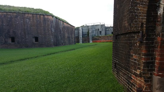 Fort Morgan, AL: moat
