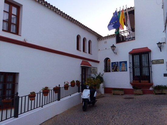 Hotel El Convento: Front entrance of El Convento