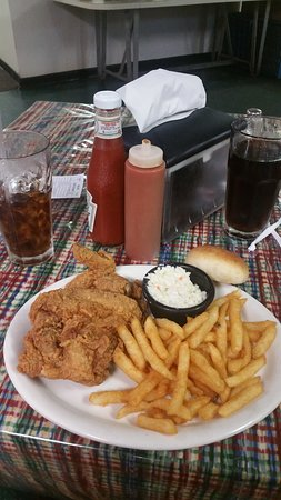 Daleville, AL: fried chicken meal