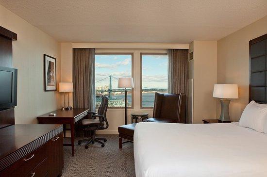 Hilton Philadelphia at Penn's Landing: King Guestroom
