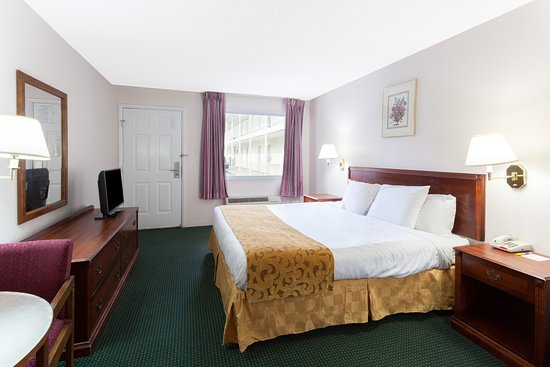 Days Inn Dahlonega: king