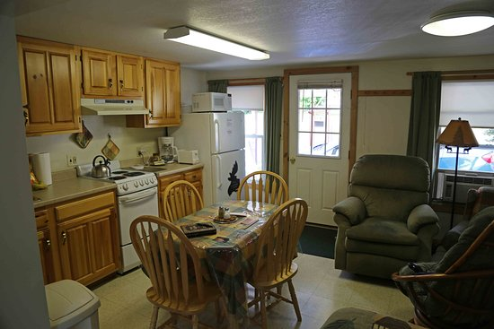 Pittsburg, NH: Kitchen and dining area.