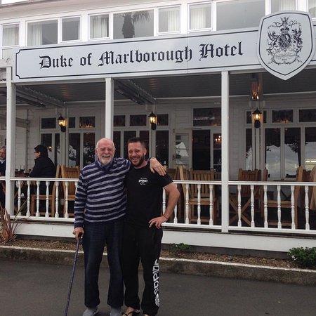 Russell, Selandia Baru: Pop & Alby at The Duke