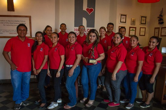 Hotel con Corazon: Hotel Con Corazón staff