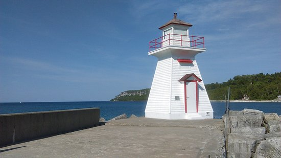 Lion's Head Lighthouse: Lighthouse at Lion's Head