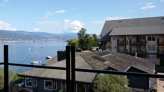 Summerland, Canadá: View from 3rd floor partial lakeview room
