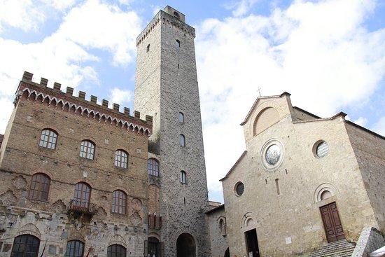 Palazzo Pubblico e Torre Grossa: palazzo e torre