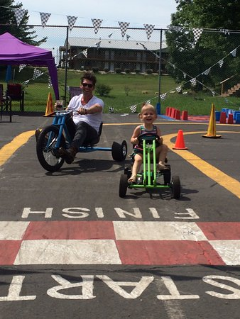 Monteagle, TN: Big Wheels for adults, pedal cars for the children, bean bag games, yard games, ball toss, tire