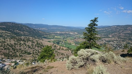 Summerland, Canadá: View from part way up Giant's Head
