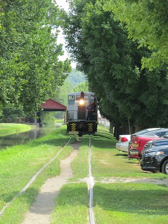 Connersville, IN: Another train along the restored canal