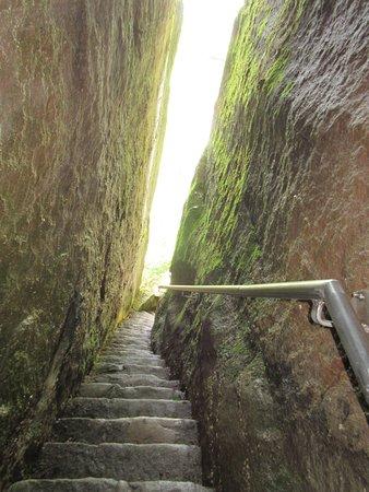 Warren, PA: Stairs through the rock