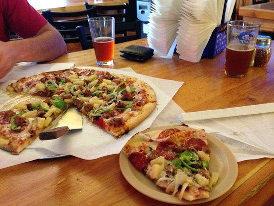 KBar Pizza : Classic pizza - delish!
