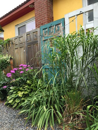 The Purple House Cafe : photo0.jpg