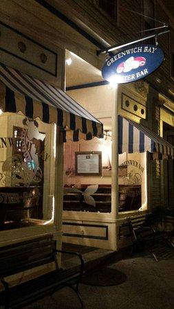 East Greenwich, RI: Greenwich Bay Oyster Bar