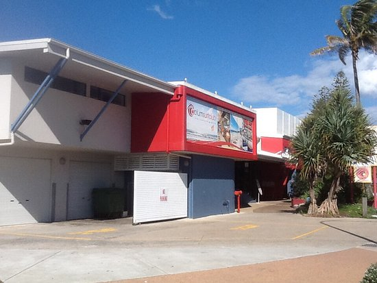 Coolum Beach, Australia: Coolum Surf club main entrance