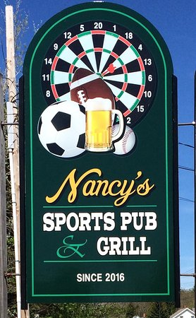 Naples, ME: Nancy's Sports Pub & Grill