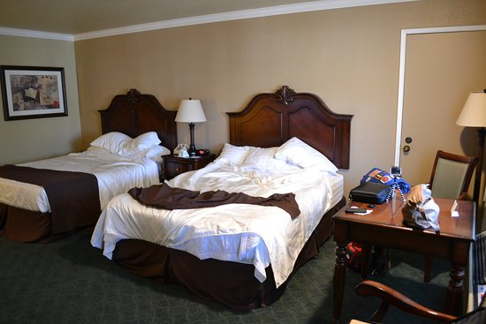 Yreka, CA: Two room suite