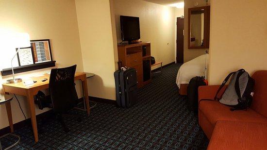 Fairfield Inn & Suites Indianapolis Northwest: 20160803_212640_large.jpg