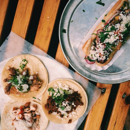 Ferndale, MI: Tacos and hot dog