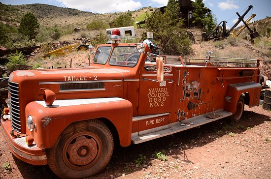 Jerome, AZ: ....and another truck