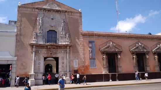 Foto de plaza grande m rida fachada de la casa de montejo tripadvisor - Foto casa merida ...