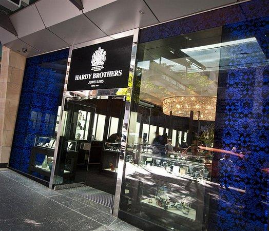 MacArthur Central Shopping Centre