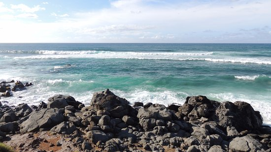 Paia, Hawái: Shorebreak estivo di fronte a Ho'okipa