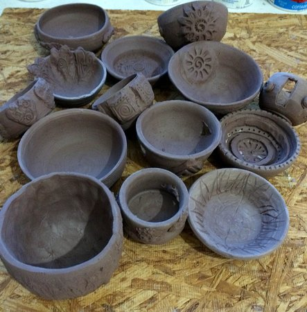 Cottonwood, AZ: Family of 3 visiting for a 2 hour pottery wheel experience.